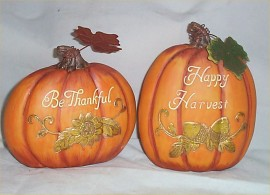 2 Decorative Pumpkins Holiday Harvest Fall Decor Be Thankful Decoration Resin