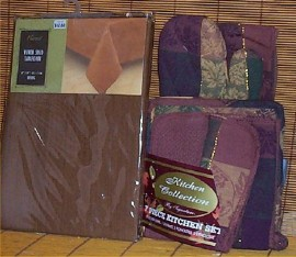 Fall Harvest Kitchen Set Tabel Cloth Oven Mitt Hot Pads Brown
