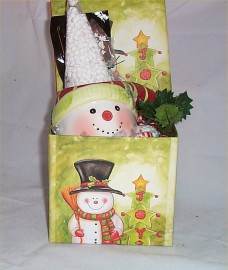 Hot Chocolate Snowman Mug & Cocoa Chocolate Spoon Gift Box Marshmallows